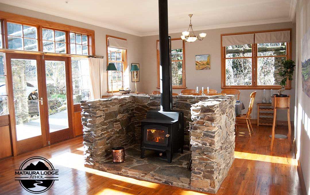 Athol Accommodation - Fireplace